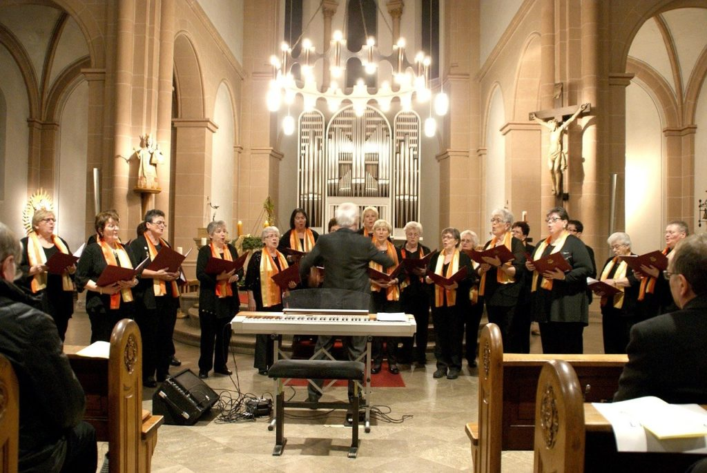 altar, church, choir-1139831.jpg